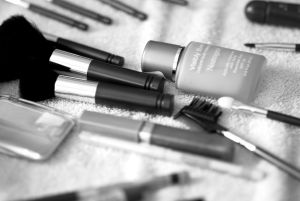 Lipstick_and_other_cosmetic_equipment